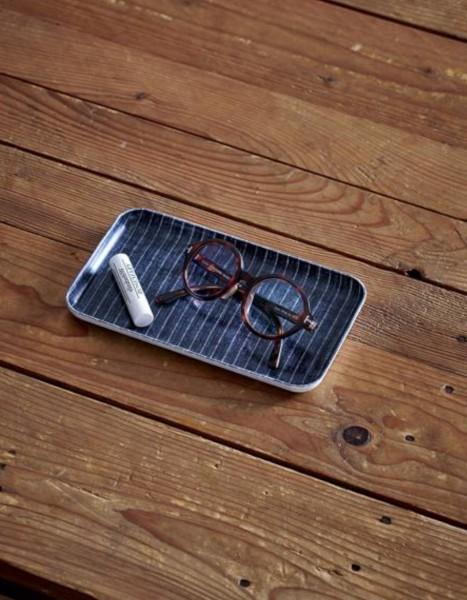 Fog Linen Tablett Dunkelgrau mit dünnen weißen Streifen S